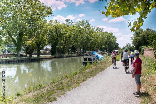 Fotografie, Obraz  Balade le long du Canal des Deux Mers