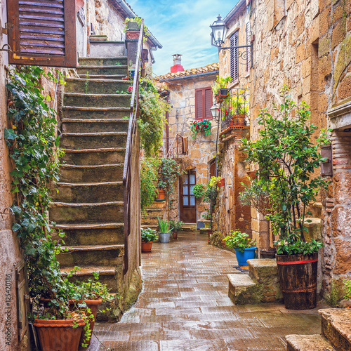 Fototapety, obrazy: Alley in Italian old town, Tuscany, Italy