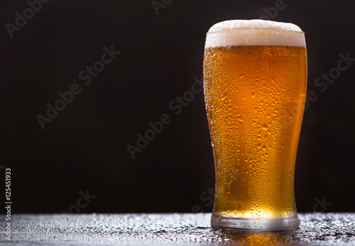 glass of beer Wallpaper Mural