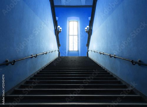 Foto op Plexiglas Trappen scalinata blu