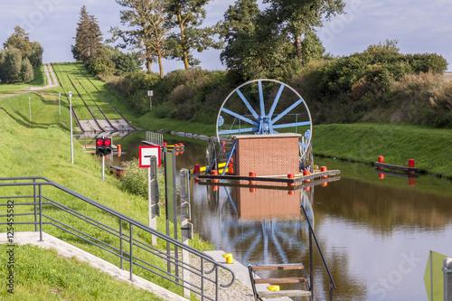Foto auf AluDibond Kanal Historic canal near Elblag. Jelenie ramp.