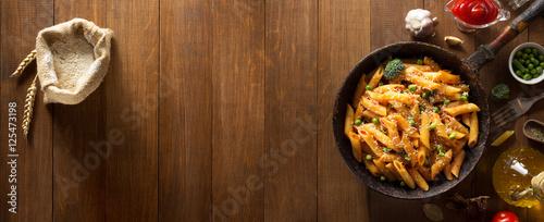 Fotografia, Obraz ready pasta on wood