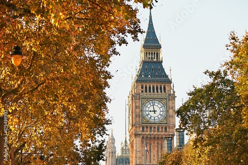 Poster London Big Ben in sunny autumn day