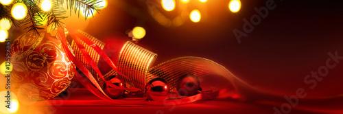 Foto-Doppelrollo - Merry Christmas; Holidays background with Xmas tree decoration o (von Konstiantyn)