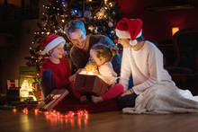 At Christmas A Lovely Family Find A Digital Tablet In Their Gift