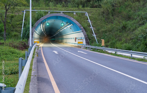 Foto op Plexiglas Tunnel moving fast in tunnel