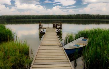 FototapetaMostek drewniany nad wodą