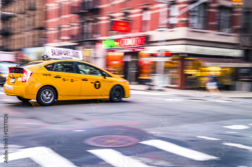 Poster New York TAXI NYC taxi in motion. Blurred, long exposure images.