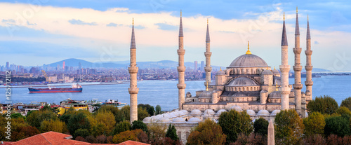 Fotobehang Turkije Blue Mosque and Bosporus panorama, Istanbul, Turkey