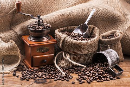 Deurstickers koffiebar chicchi di caffè tostato e macinino