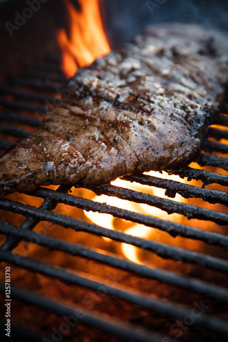 Staande foto Steakhouse Flank Steak Griling