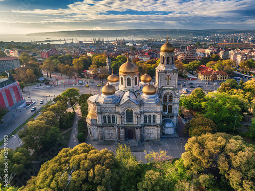 Keuken foto achterwand Luchtfoto The Cathedral of the Assumption in Varna, Aerial view