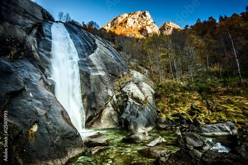 piekny-krajobraz-jesien-w-gorach