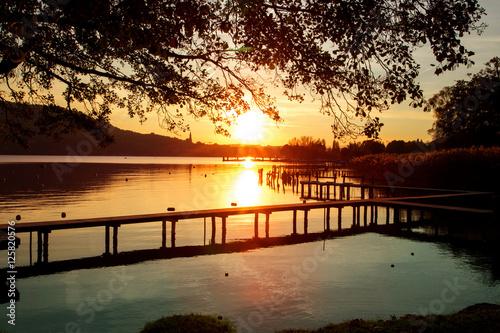 Fotografia, Obraz  Coucher de soleil sur le lac d'Annecy