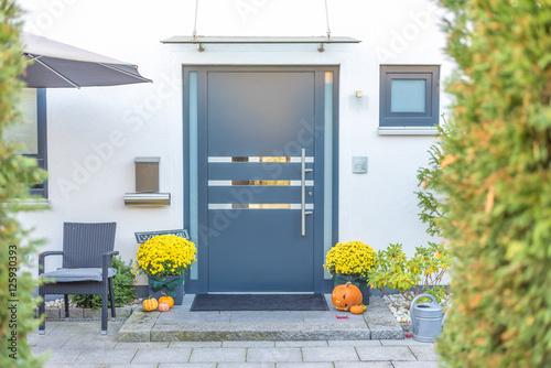 Fényképezés  Herbstlich geschmückter Hauseingang