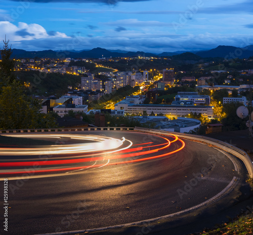 Keuken foto achterwand Nacht snelweg Car lights running on the road at night to city