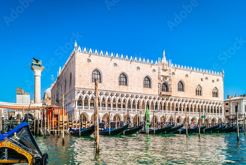 Photo sur Toile Europe Centrale Doge's Palace Venice Italy./ Waterfront view from gondola at amazing palace in Venice city, Italy.
