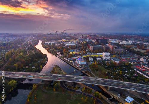 Siemensdamm bei Sonnenuntergang,  Luftaufnahme. Poster