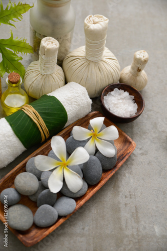 Poster Spa Composition of bath spa treatment on gray background