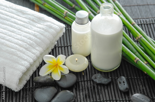 Poster Spa White towel and stones and flower ,grove,oil on bamboo mat