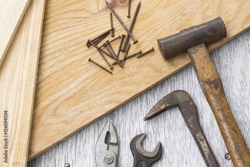 Fotografía  大工道具(トンカチ、レンチ、プライヤー、釘