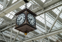 Meeting Point Of Glasgow Central Train Station, The Famous Vinta