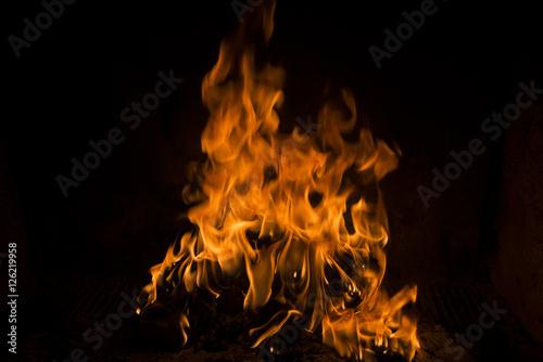 In de dag Vuur / Vlam fiamme di fuoco su fondo nero