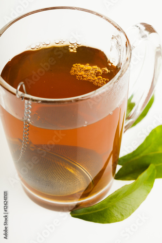 Fotografia, Obraz  boule à thé qui infuse dans l'eau chaude