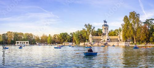 Spoed Fotobehang Madrid The Retiro Park