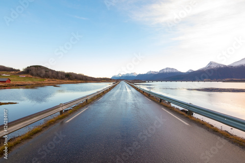 In de dag Scandinavië Lato na lofotach, Nordland, Norwegia