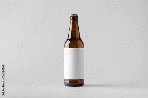 Fotografia  Beer Bottle Mock-Up - Blank Label