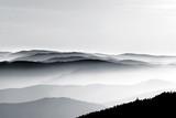 Widok z lotu ptaka ulgi mgliste góry - 126321758
