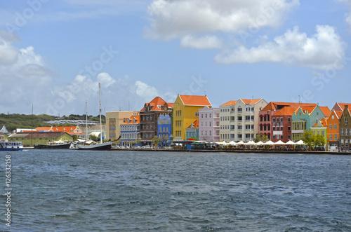 Curacao y sus construcciones coloridas Canvas Print