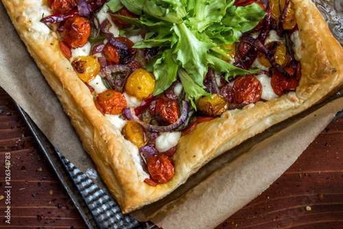 Valokuva  Roasted Tomato Tart on baking sheet