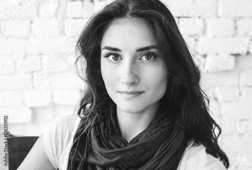 Foto op Plexiglas womenART Beautiful brunette woman portrait. Natural makeup. Black and white.