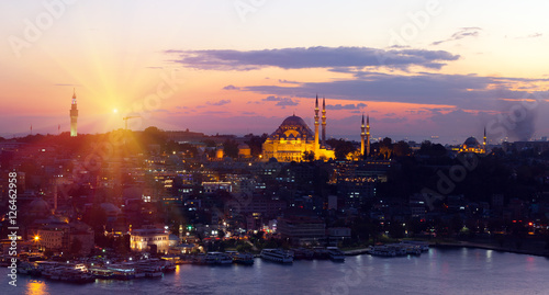 Stampa su Tela  The historic center of Istanbul at sunset. Turkey.