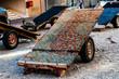 Carro para transporte de mercancias en una calle de Dubai Deira