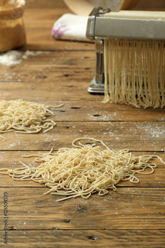 Pasta Fresca Fatta In Casa Su Sfondo Tavolo Di Legno Rustico Buy