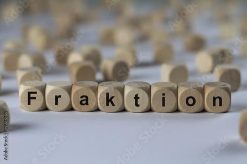 Fototapeta Fraktion - Holzwürfel mit Buchstaben
