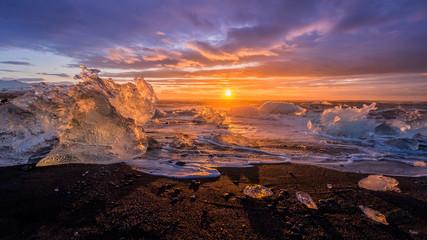 Fototapeta zachód słońca na plaży Islandia