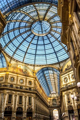 In de dag Milan Galleria Vittorio Emanuele Milan piazza Duomo