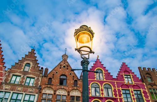 In de dag Brugge Grote Markt square in medieval city Brugge, Belgium