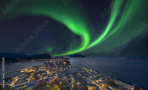 Keuken foto achterwand Noorderlicht Nordlicht in Alesund Norwegen