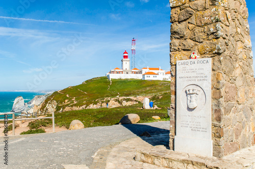 Foto auf AluDibond Cabo da Roca (Cape Roca) lighthouse on the Atlantic ocean coast, Portugal
