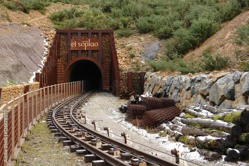 Fotografia, Obraz  Entrada a una vieja mina de zinc reconvertida en visitable ,por conectar la mina y la cueva