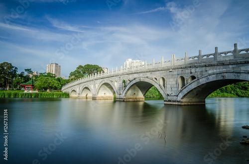 Fotografia, Obraz  Stone Arch Bridge of Chinese Garden