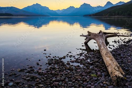 Valokuva  Lake McDonald Sunrise