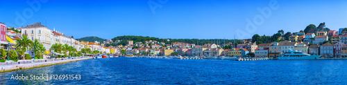 Foto auf AluDibond Stadt am Wasser Wonderful romantic summer afternoon landscape panorama coastline