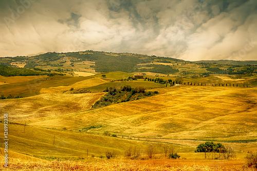 Keuken foto achterwand Rijstvelden Landscape in Tuscany at sunset in summer