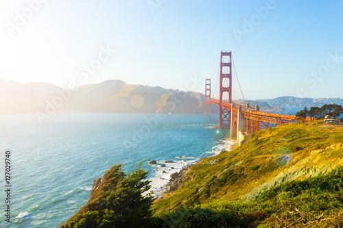 Photo  Golden Gate Bridge High Key Sunlight Fort Point